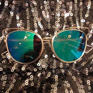 Accessories - 30% OFF BUNDLES Cat-eye mirror aviator sunglasses